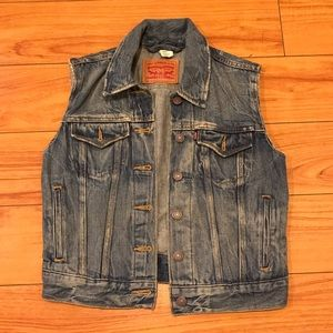 Levi's women's denim vest